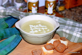 potato leek and blue cheese soup (11)