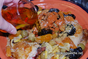 chicken or lamb tajine with dry friuts and olives (16)
