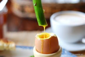 asparagus with soft egg (24)