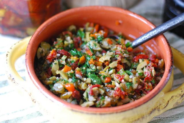olive sun dried tomato salsa (12)