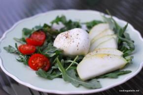 burrata and pear salad (10)