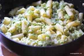 rigatoni with cauliflower broccoli cream (4)