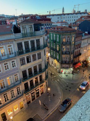 вид из окна нашего жилища в городе Порто
